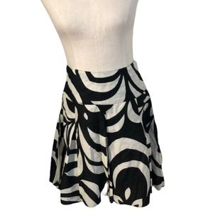 Black white abstract print a line skirt